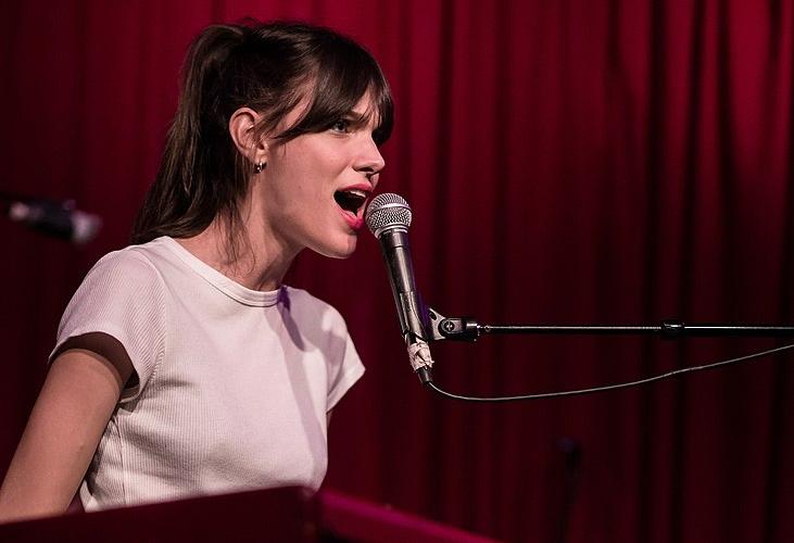 5 aspects de technique vocale à pratiquer dans «Meaningless» de Charlotte Cardin